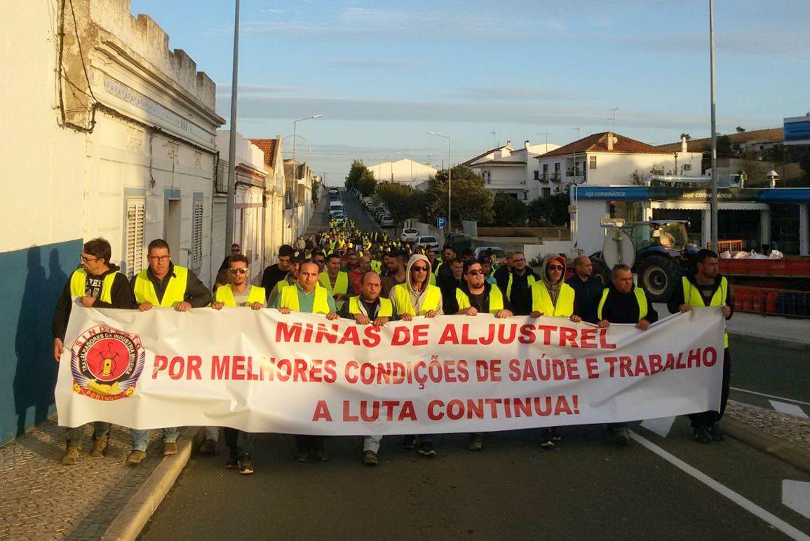 Minas De Aljustrel: Greve Forte Dos Mineiros Saiu à Rua Em Aljustrel